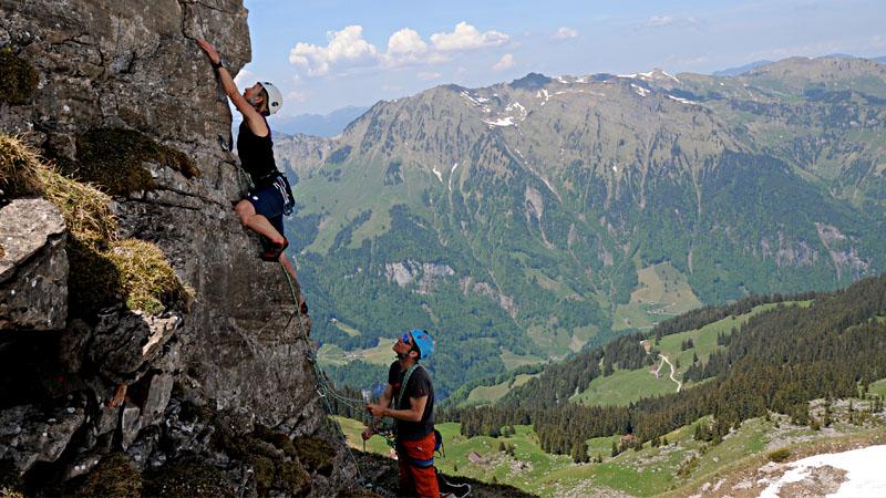 Klettergurt Für Mehrseillängen : Kletterkurs mehrseillängen basic u2013 engelberg mountain guide